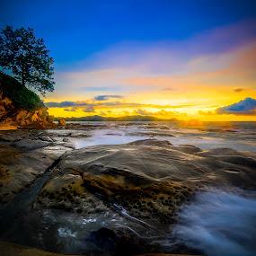Simpanga mengyau by Ramlan Abdul Jalil - Landscapes Sunsets & Sunrises ( sunset, ocean, landscape, rocks )