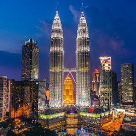 Twin Tower at dusk by Nikon Guy - Buildings & Architecture Other Exteriors ( klcc, sunset, malaysia, twin tower, dusk,  )