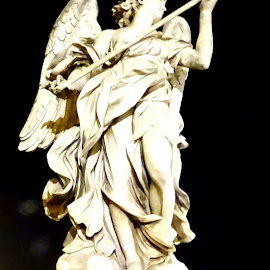 Statua a Castel Sant'Angelo a Roma by Patrizia Emiliani - Buildings & Architecture Statues & Monuments ( roma, angelo, castel sant'angelo, statua,  )