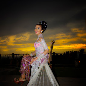 Kebaya girl by Budi Risjadi - Novices Only Portraits & People