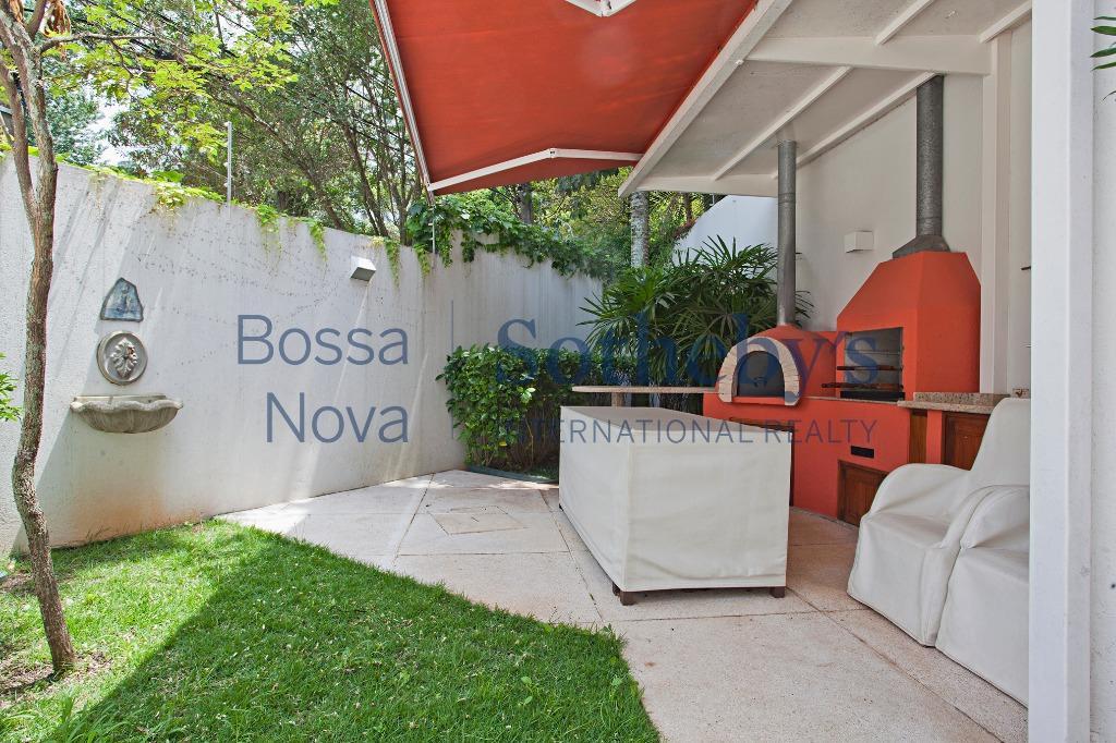 Casa Moderna, ao lado do Parque Severo Gomes!