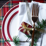 Create the most beautiful table arrangement with our wide selection of dinnerware and decorations at George.com