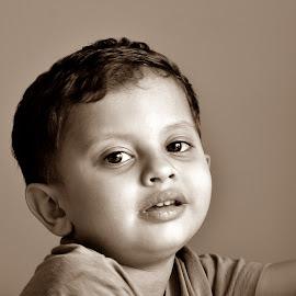 Innocence in sepia by Pradeep Kumar - Babies & Children Children Candids