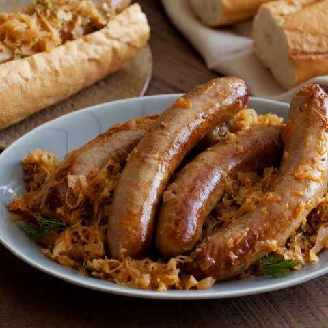 Bratwurst Stewed with Sauerkraut
