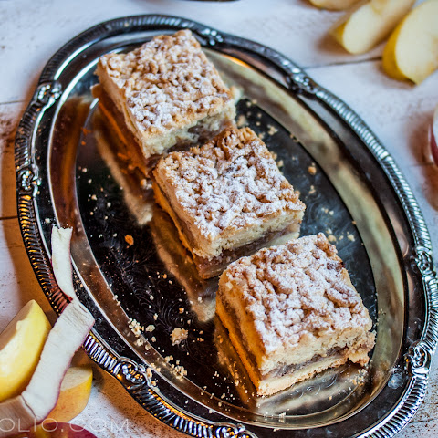 Polish Apple Cake (Szarlotka)