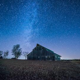 Barn Gazing -Side by Jonathan Tasler - Landscapes Prairies, Meadows & Fields ( field, barn, stars, midwest, nikon d810, astrophotography, kansas, milky way )
