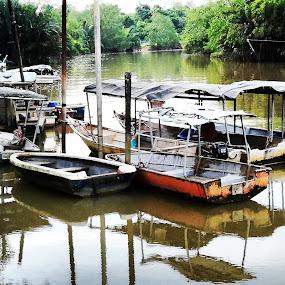 Relaxing by Mohd Khairil Hisham Mohd Ashaari - Transportation Boats ( river, history, water, boat, transportation,  )