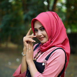 Hijan by Muhammad Wava Rasyadi - People Portraits of Women ( muslim, model, muslimah, hijab, people )