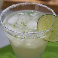 "How To Make A Classic ""3-2-1"" Margarita"