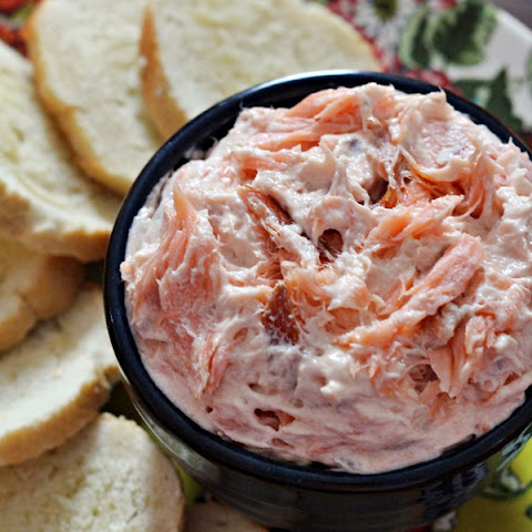 Smoked Salmon Dip with Bagel Chips