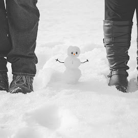 Baby Snowman by Angie Braconnier - People Maternity ( maternity, family, snow, snowman, baby )