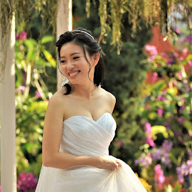 by Koh Chip Whye - Wedding Bride (  )