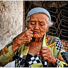 Traditional Eat  MINAH  by Teguh Gogo - People Portraits of Women