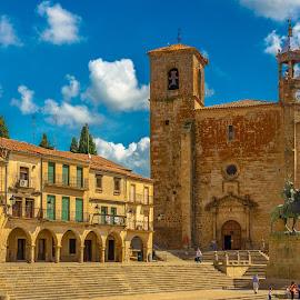 iglesia de Trujillo, Cáceres by Roberto Gonzalo Romero - City,  Street & Park  Vistas