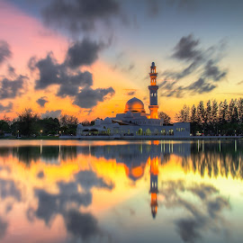 masjid terapung by IshOne Nawi - Landscapes Sunsets & Sunrises ( water, muslim, sunset sky, sky, waterscape, sunset, mosque, sea, terengganu, pray, malaysia, sunrise, seascape, landscape, photography )