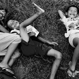 by Rio Achmar - Babies & Children Child Portraits ( children candid, black and white, happy, friendship, children )