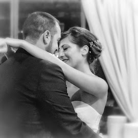 dance by Irene Vallerotonda - Wedding Other ( love, matrimonio, ballo, wedding, bianco e nero, sguardi )