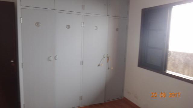 Casa em condomínio à Venda - Granja Viana