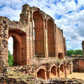 Kenilworth Castle - HDR by Muhammad Ahmed - Buildings & Architecture Decaying & Abandoned ( architechture, hdr, kenilworth, buildings, castle, historical, garden )