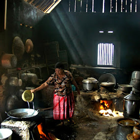 In the Traditional Kitchen by William  de Jesus Tavares - News & Events World Events