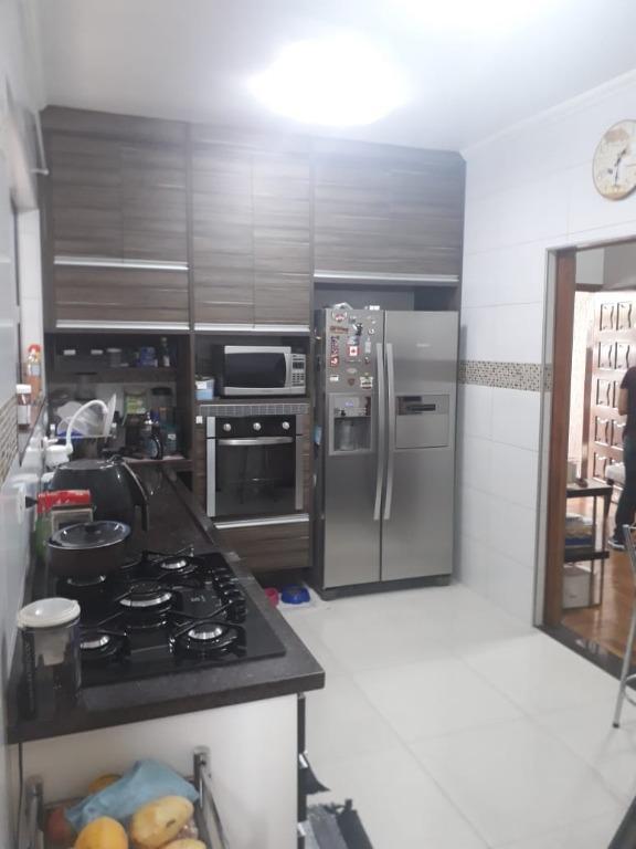 Casa com 3 dormitórios à venda em Guarulhos.
