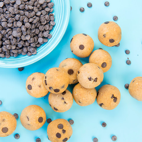 Chickpea Cookie Dough Balls