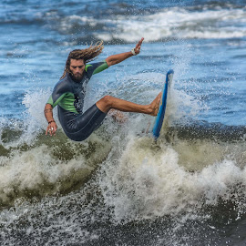 surf by Jose Augusto Belmont - Sports & Fitness Surfing ( niterói, surfista, itapuca, surf, surfers )