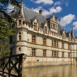 Azay le Rideau - France by Alain Dechavanne - Buildings & Architecture Public & Historical