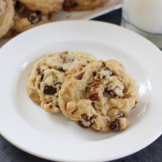 Chewy Pecan Chocolate Chunk Cookies