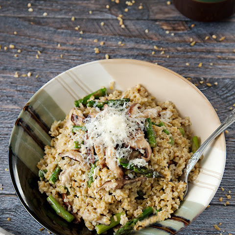 Whole Grain Freekeh Risotto with Mushrooms and Asparagus