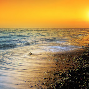 Sea roar by Hiro Ytwo - Landscapes Waterscapes ( sunset, waves, sea, beach, sunlight )