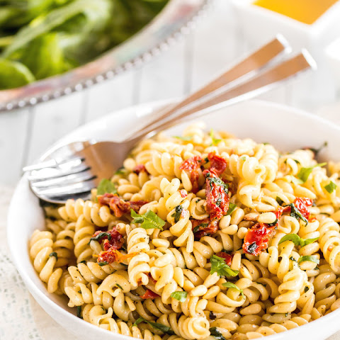 Vegan Sun-Dried Tomato Spinach Pasta