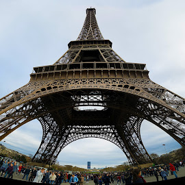 Eiffel Tower by Kwoh LK - Buildings & Architecture Statues & Monuments ( paris, eiffel tower, france )