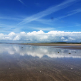Reflejos by Claudia Romeo - Landscapes Cloud Formations ( clouds, uk, sea, beach, landscape )