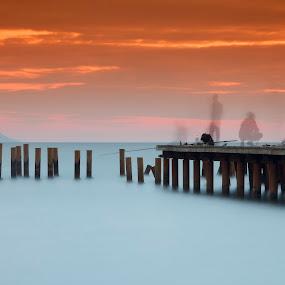 sunset & fishermen by Ömür Kahveci - Landscapes Waterscapes ( fishermen, waterscape, sunset, seascape, longexposure )