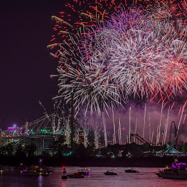 Loto Quebec Fireworks : England by Claude Desrosiers - Abstract Fire & Fireworks ( canada, montreal, st-lawrence river, boats, fireworks, quebec )
