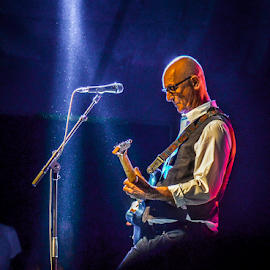 KIM MITCHELL by Udo Weber - People Musicians & Entertainers ( lights, music, guitarist, musician, rock, singer, stage, people, live )