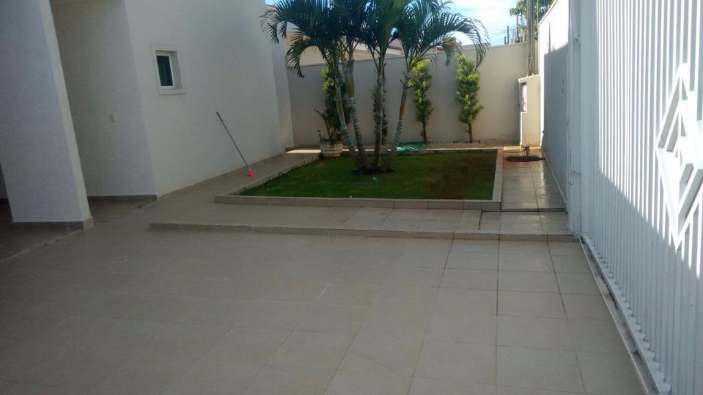 Casa / Sobrado à Venda - Jardim Municipal