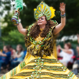 Grand lady in the Parade by Ginny Anderson - People Musicians & Entertainers ( parade, yello, lady, gown )