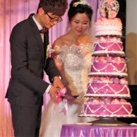 Wedding Cake Cutting by Dennis  Ng - Wedding Ceremony (  )