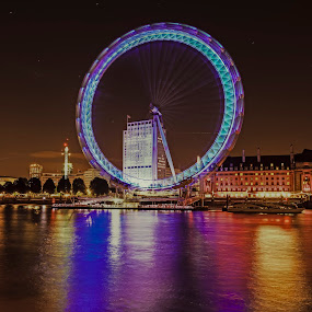 London Eye Lights by Darren Curtis - City,  Street & Park  Night ( darren curtis photography.co.uk, cityscapes, 2014-09 london eye, fine art photography, city at night, street at night, park at night, nightlife, night life, nighttime in the city )