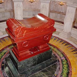 Paris - Tombe de Napoléon 1er by Gérard CHATENET - Buildings & Architecture Public & Historical