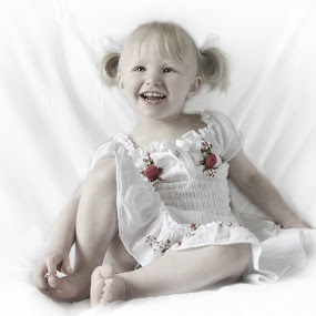 by Lisa Kirkwood - Babies & Children Child Portraits ( child, potrait, girl, happy, smile )