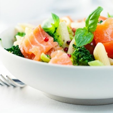 Salad With Pasta And Salmon
