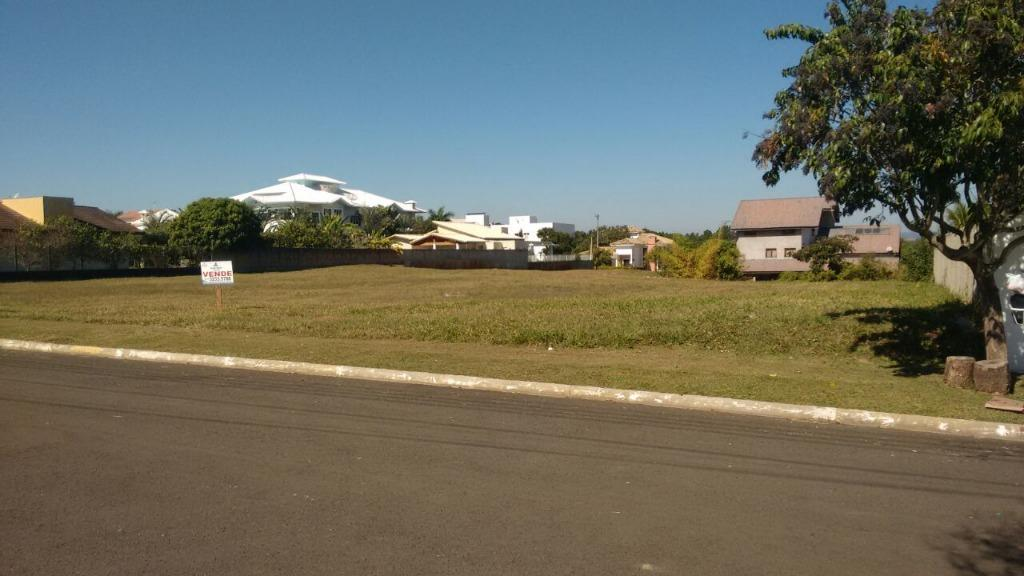 Itu - Condomínio Village Castelo, Itu 02 Lotes 1.500m² cada lote para Venda.