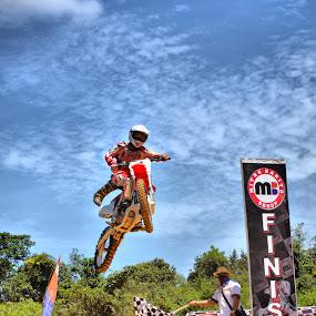 Yeaaahh !!!!!!!!!!!!! by Handy Nordy Fariza - Sports & Fitness Motorsports ( di angkasa, pembalap, racing, action, sportt, melayang, terbang, people, berbakat, jump )
