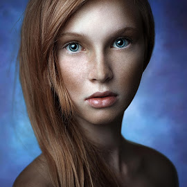 Confusion View by Miroslav Potic - People Portraits of Women ( girl, beautiful, portrait, confusion )