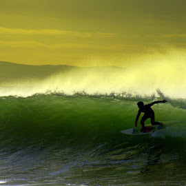 Dawn patrol by Robbie Irlam - Sports & Fitness Surfing ( supertubes surf photography )