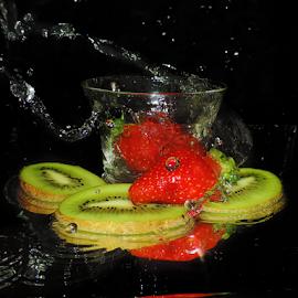 kiwi with strawberry by LADOCKi Elvira - Food & Drink Fruits & Vegetables ( fruits )