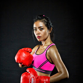 I'm still waiting! by Dikye Darling - People Portraits of Women ( fight, strong, woman, sport, fighter )